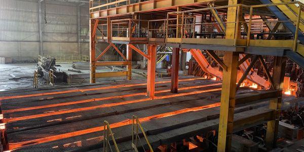 Noviembre de 2020 Palanquilla de 150 × 150 .. covid no deja de ajustar la tecnología de soldadura en el sitio.